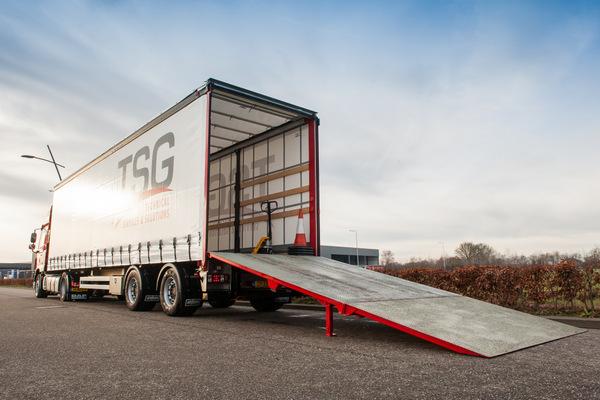 0079 Laadbrug trailer
